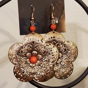 Jewelry - 2/$20 Hammered Gold Medallion Flower Earrings
